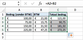 Een formule doortrekken in Excel